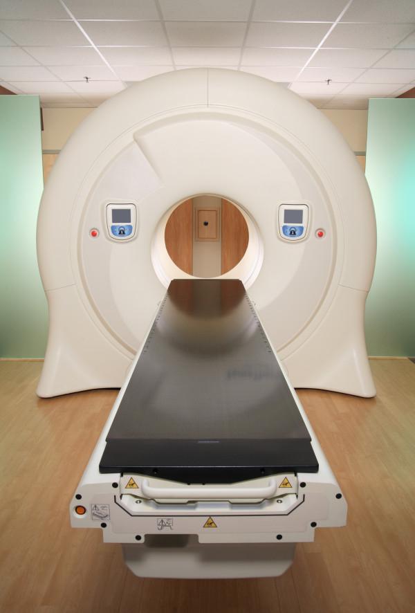 Carbon fibre radiology tables